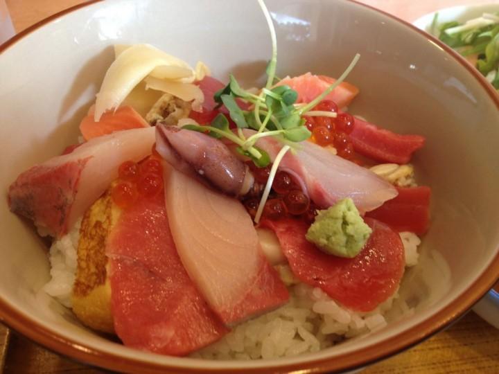ふうりんの日替り定食 海鮮丼のアップ