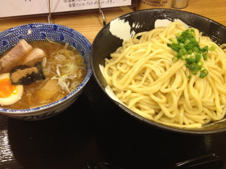 麺屋しゃがら三条店のつけ麺(特盛り)