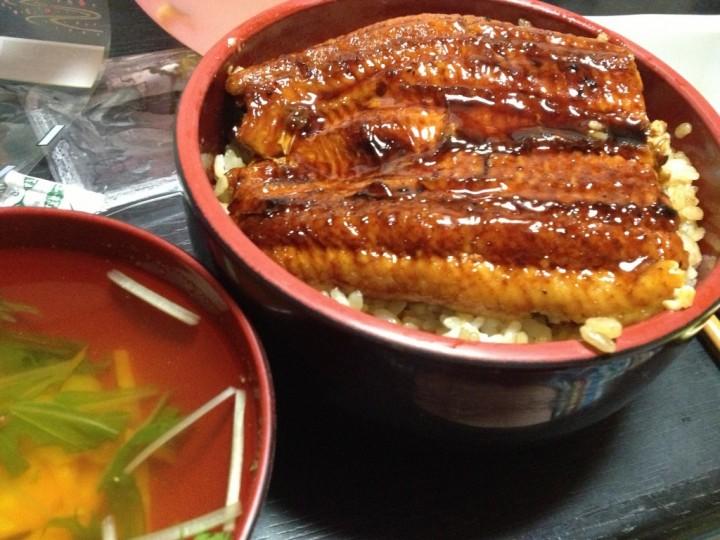神田屋のうなぎ蒲焼で作った鰻丼