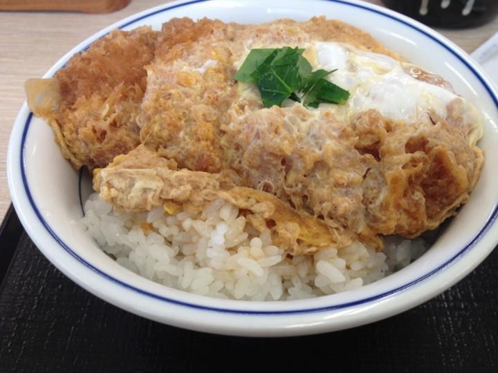 かつや三条店のカツ丼(梅)・ご飯大盛り