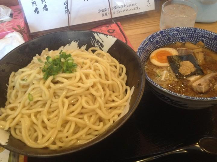 しゃがら三条店のつけ麺(特盛り)