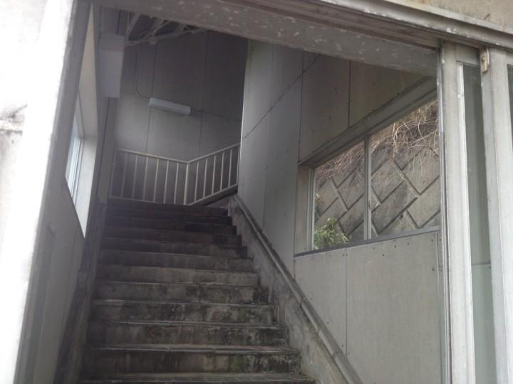 栄PAの入口(高速バスの停車場なので徒歩で入れる)