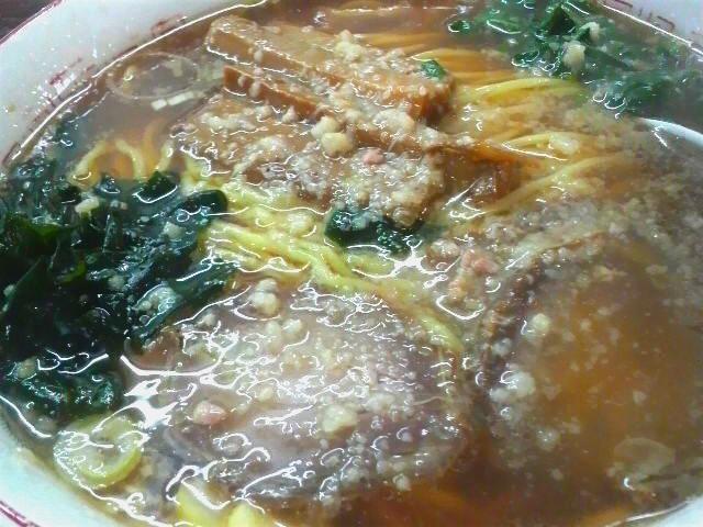 福楽三条本店のらあめん(背脂トッピング)