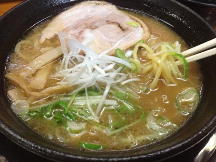 大和家の魚介醤油(豚骨魚介スープの醤油ラーメン)