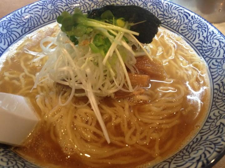 麺や一晃亭の追い煮干し中華(醤油味)