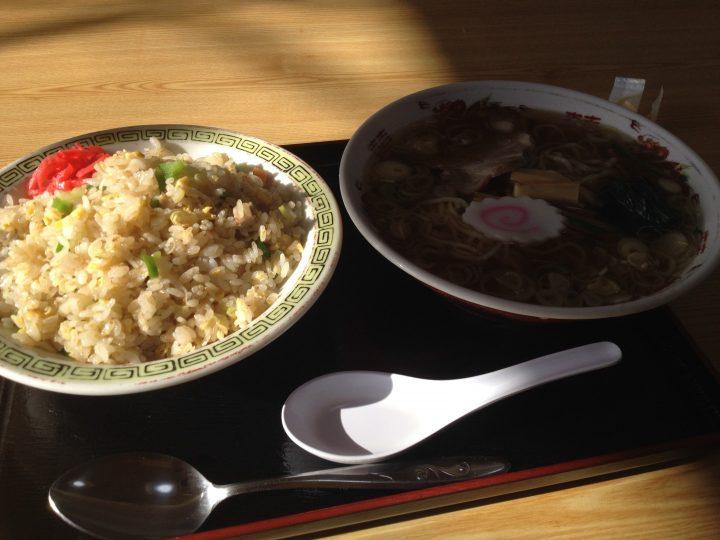 角八平島店のラーメン・炒飯セット(ラーチャン)