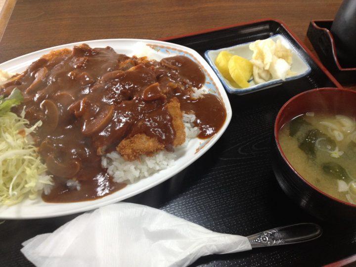 洋風カツ丼(千切りキャベツ添え、味噌汁おしんこ付き)