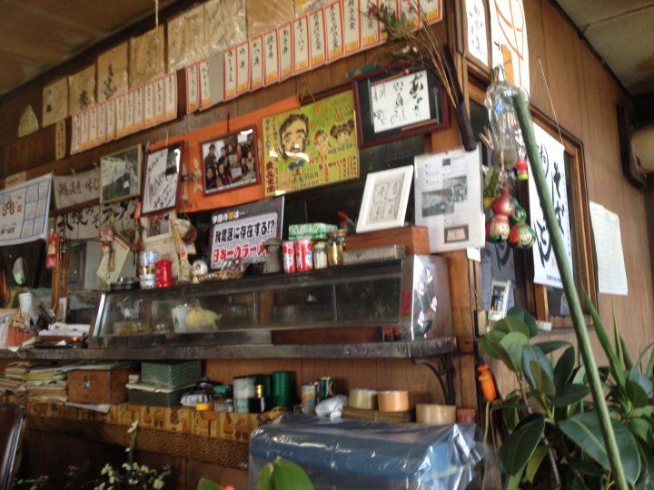 東花食堂の店内(カウンター)