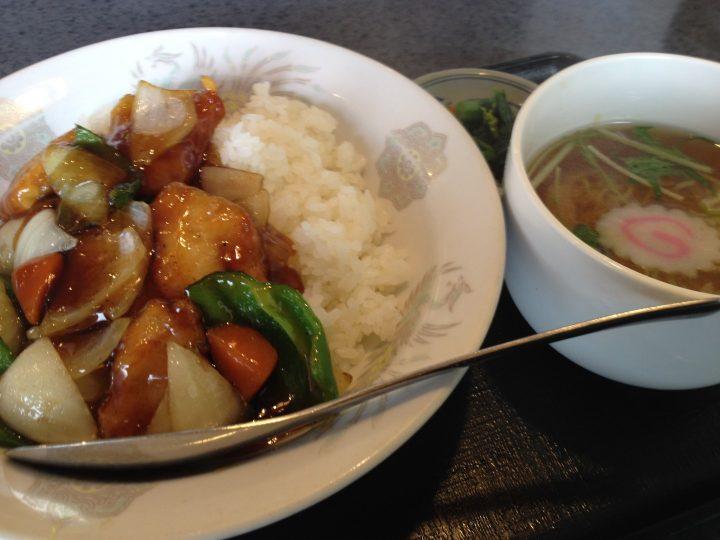 華苑のランチセット・酢鶏ライス