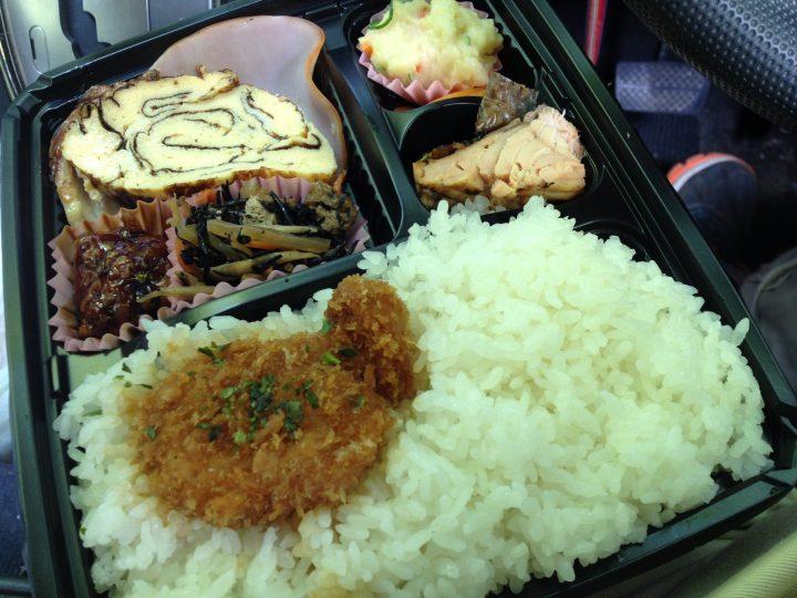 アメヤ精肉店の幕の内弁当(2016年6月)