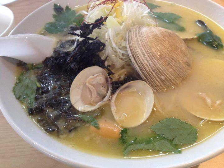 日の出製麺保内工場の「三種貝を使った極上しおラー麺」