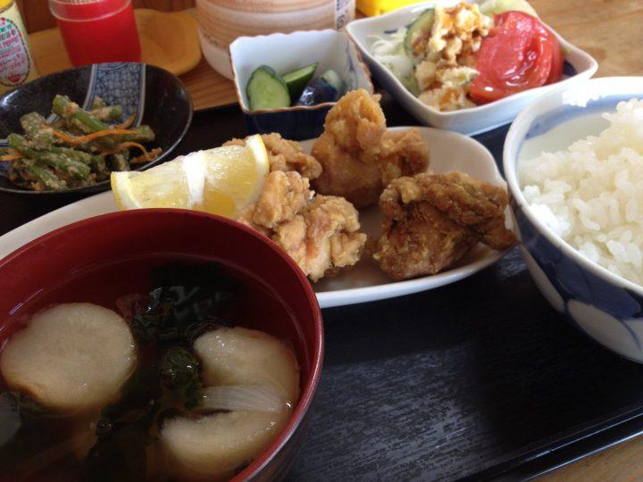 母ちゃん唐揚げの唐揚げ定食(カレー風味)