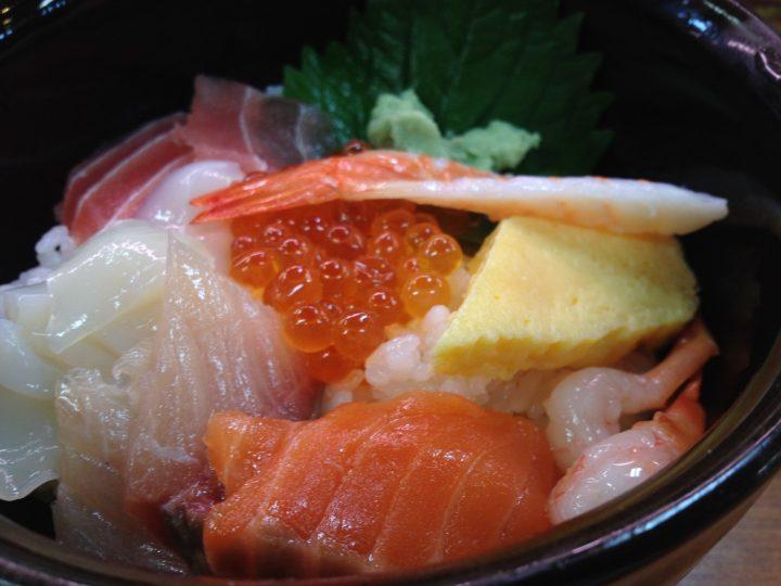 平日ランチの海鮮丼・ネタのアップ