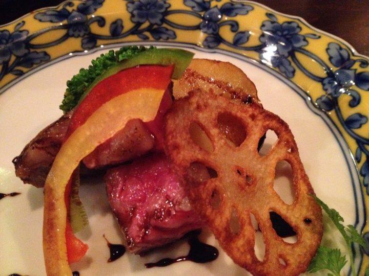 一口ステーキ・季節の野菜添え