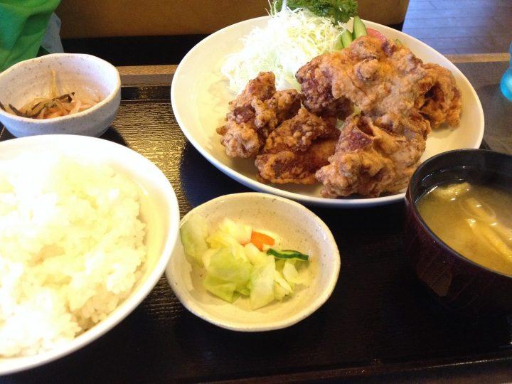 製麺屋食堂阿賀野店のドカカラ定食