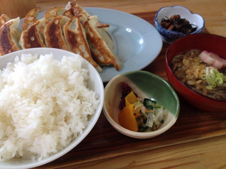 バンバンバン餃子吉田店の「餃子定食W」