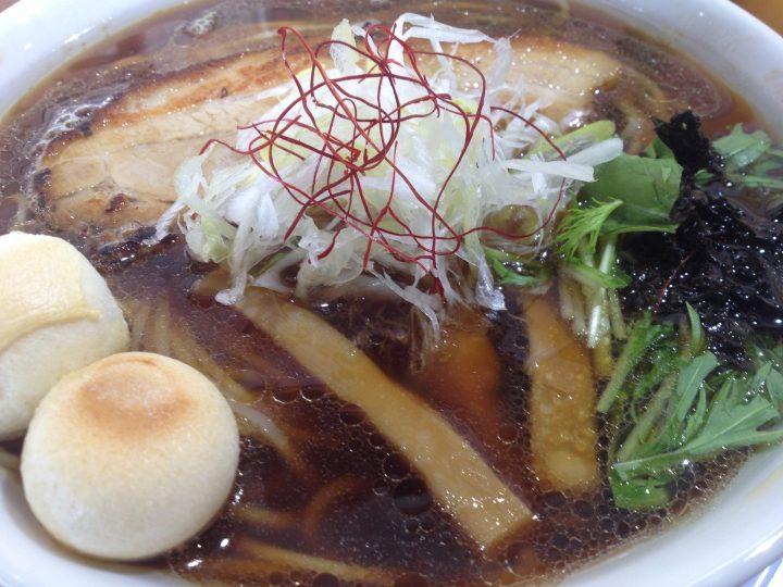 麺や来味弁天橋店の丸鶏京醤油らぁ麺(大盛り)