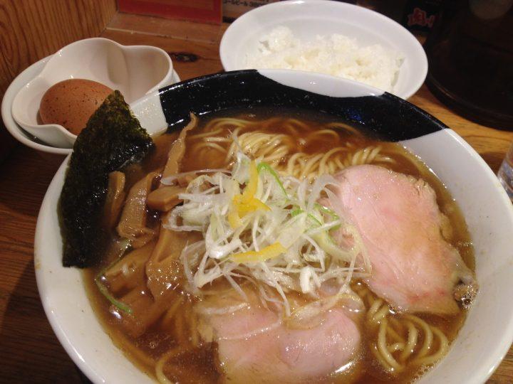 手仕事らぁめん八吉田店の朝らーめんAセット(生卵+小ライス)