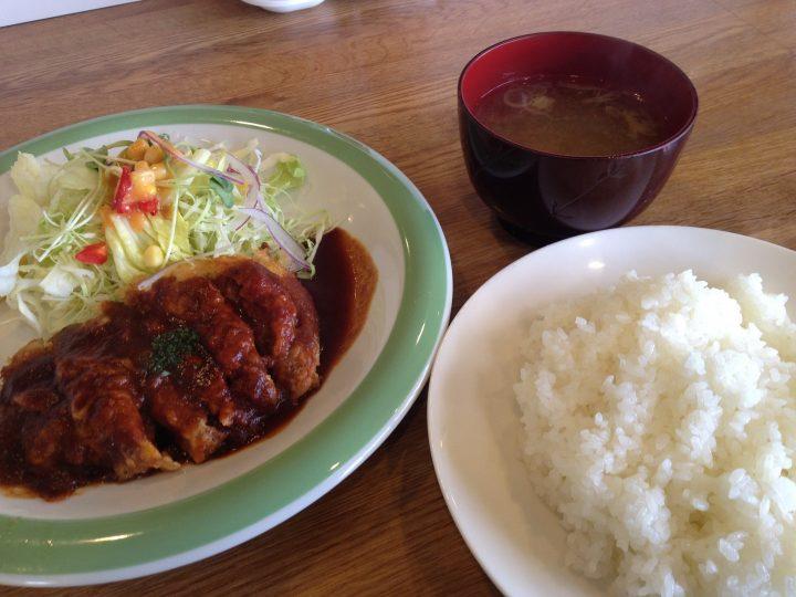レストランカリブの日替りランチ・ヒレチーズカツとライスと味噌汁