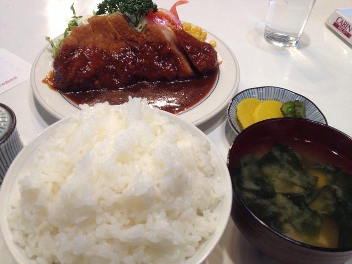 カフェ志賀 カツ定食 並 780円大盛100円 2017-02-20 009