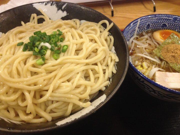 麺屋しゃがら三条店のつけ麺(大盛り)