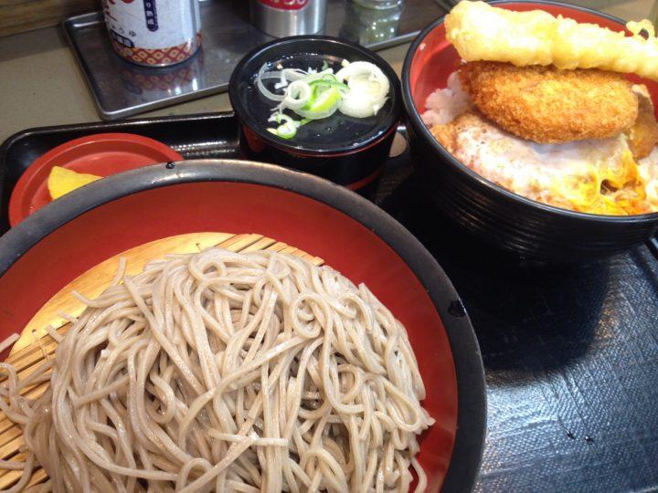 富士そば上野広小路店のかつ丼セット(もりそば)