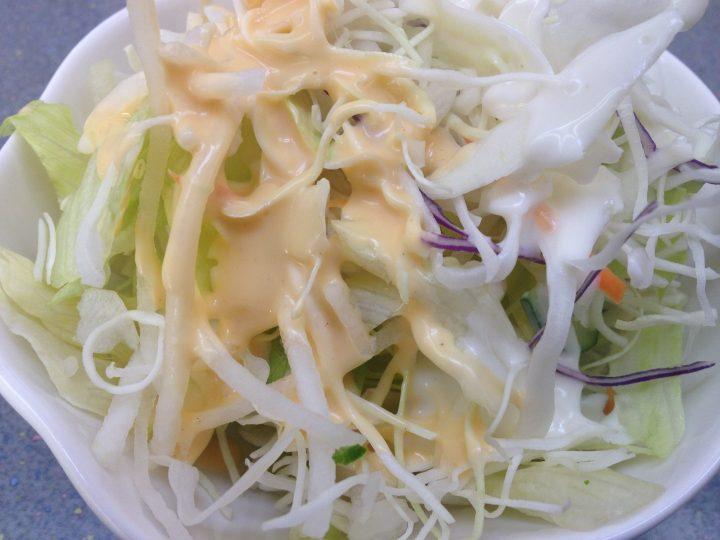くるまやラーメン新潟巻店の無料サラダ