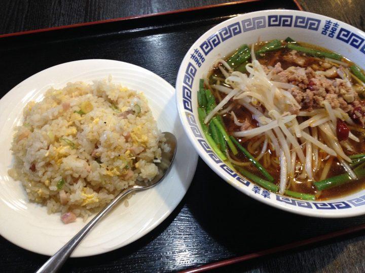 龍騰の780円ラーメンセット(台湾ラーメンとチャーハン)
