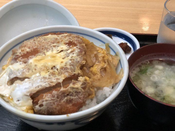 ファミリー中華飯店京王のかつ丼