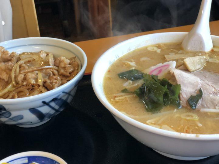金子屋大島店のラーメンとミニ焼肉丼