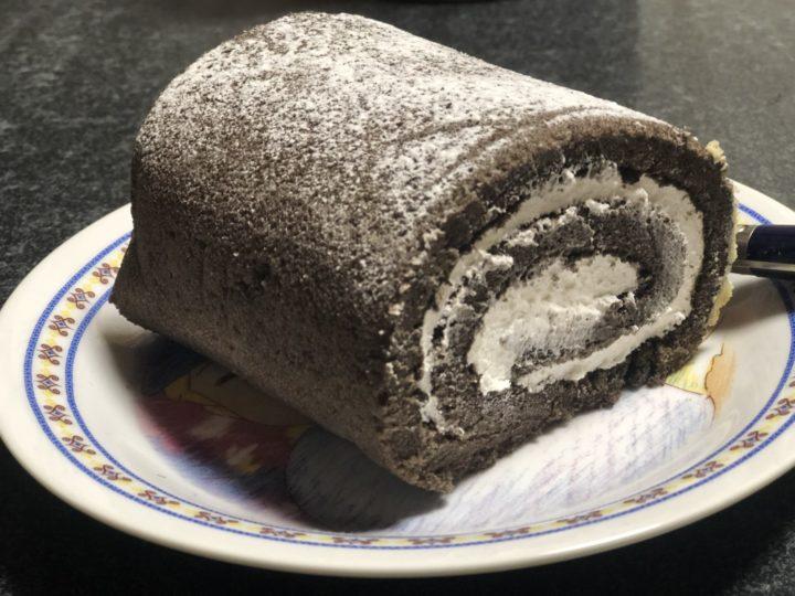 コストコのチョコ・ロールケーキ