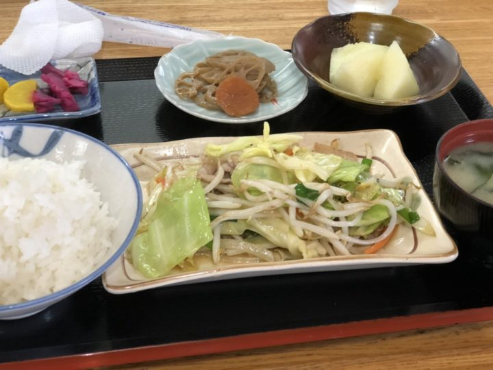 橋本屋の日替わりランチ(野菜炒め定食)