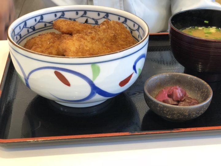 栄パーキングエリア上り・新潟タレかつ丼