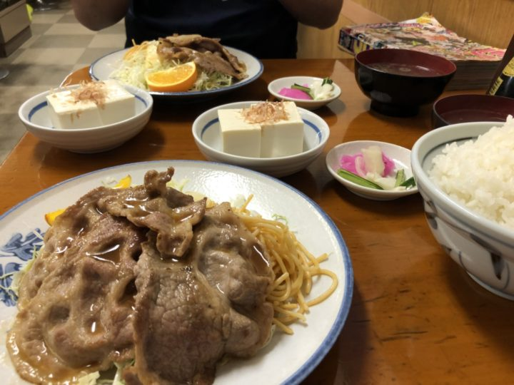 花月食堂の焼肉定食