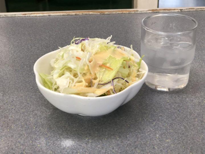 くるまや新潟巻店・無料サービスのサラダ