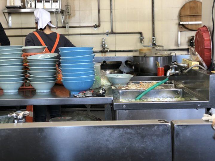 どさん子白根8号店の厨房
