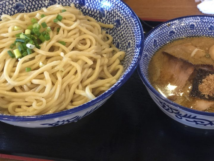 麺屋ばやし燕三条店のつけ麺爆盛り