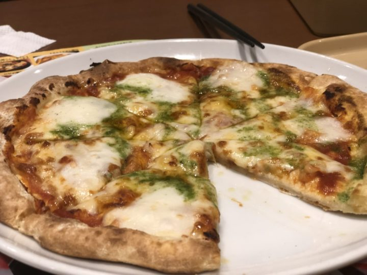 ガスト三条須頃店のマルゲリータピザ
